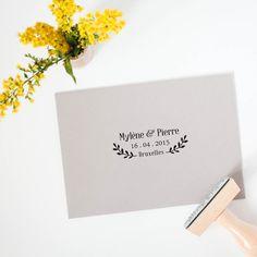 Tampon mariage personnalisé - Fabriqué sur mesure - Tampon sur bois personnalisable avec vos prénoms, date et lieu de mariage - Modèle 10