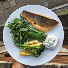 My quick fatty little lunch of seabass cooked in Lucy Bee Coconut oil with midget trees, shrunken corn cobs & Total Greek yogurt with fresh basil & lime dip. This is my pre-workout meal. Gym at 6pm for a HIIT session. Let's burn some fat. Summer is near and it's time to get uber lean! #LeanIn15 #TheBodyCoach #Fitness #Health #Nutrition