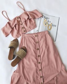 Fertige Mode-Outfits für Frauen # Frauen # Make-up # Outfits - going out❤ - Etsy Spring Outfits, Trendy Outfits, Cute Outfits, Work Outfits, Mode Chic, Mode Style, Teen Fashion, Fashion Outfits, Pink Fashion