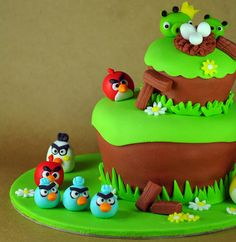 Angry Birds cake!  so doing this for Jonah's 5th bday!