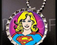 Tapa de la botella de Supergirl chicas superhéroe con elección del collar de cremallera tire o llave cadena anillo cumpleaños partido favores regalo personalizado