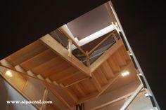 Escalera completa en madera de Haya con zancas a la francesa.  http://www.alpacasl.com/