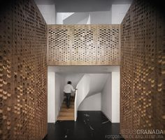 Playing off the Moorish influence of the original house the NY/Madrid architectural office MOREMAS was inspired by the Alhambra in its treatment of surfaces, textures, sequences of rooms, and the interplay of light and shadow.
