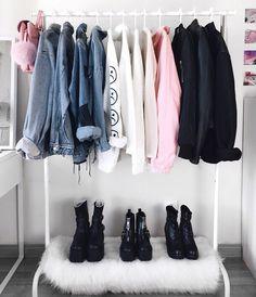 23.8 тыс. отметок «Нравится», 293 комментариев — LYDIA F. (@deaddsouls) в Instagram: «organizing my room ~ should i reopen my depop account? would u like to buy my stuff? xx»