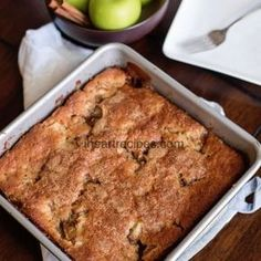Easy Homemade Apple Cobbler with Bisquick. Serve this apple cobbler topped with vanilla ice cream or whipped cream and you'll be in cobbler heaven! Recently I asked you all to comment your favorite Thanksgiving desserts. A lot you mentioned Apple Cobbler Dessert Simple, Apple Dessert Recipes, Köstliche Desserts, Holiday Recipes, Paleo Dessert, Family Recipes, Simple Apple Recipes, Cobbler With Bisquick, Bisquick Coffee Cake Recipe