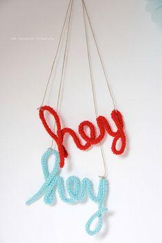 HEY mots au crochets crochet word  original design door idalifestyle, €10.00
