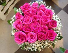 Ξεχωριστές ανθοσυνθέσεις για την Γιορτή της Μητέρας #lesfleuristes #λουλούδια #ανθοσύνθεση #ανθοπωλείο #γλυφάδα #ΓιορτήΜητέρας #MothersDay Flower Arrangements, Rose, Flowers, Plants, Floral Arrangements, Pink, Plant, Roses, Royal Icing Flowers