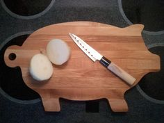 Large Side Grain Pig Cutting Board by THTWoodworking on Etsy, $25.00