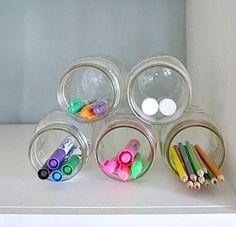 organização simples reaproveitando potes plásticos