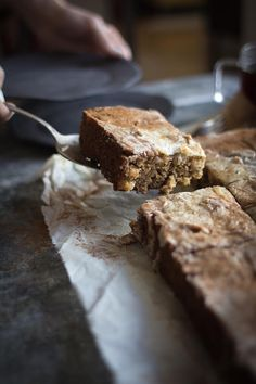 Fall's best Chai Spiced Apple Sheet Cake recipe with @stashtea on @beardandbonnet #stashtea
