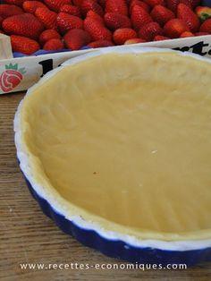 Voici une recette de base en patisserie : la pâte sablée, idéale pour les tartes aux pommes, aux fraises etc.. Très facile, rapide et économique. N'hésitez pas à lire mon comparatif : pâte sablée maison contre industrielle… La recette avec le thermomix: Très simple : mettre tous les ingrédients dans le bol puis 3 coups …