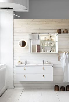 me and Alice: Bathroom inspiration Bathroom Inspo, Bathroom Inspiration, Bathroom Suppliers, Alice, Shower Units, Buying A New Home, Large Bathrooms, Bright, Bathroom Interior Design