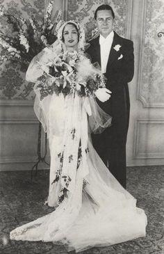 Bebe Daniel's and Ben Lyon's wedding 1940s Wedding, Vintage Wedding Photos, Vintage Bridal, Wedding Pics, Wedding Bride, Wedding Styles, Vintage Weddings, Vintage Images, Wedding Couples