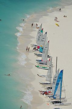 Aruba sailing: what a way to spend a Sunday.
