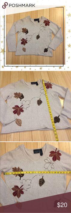 🔥CLEARANCE Crazy Horse Sweater (HU26B4K) Beautiful sweater in very good condition. V- neck. Silk/acrylic/neylon/wool Crazy Horse Sweaters Crew & Scoop Necks