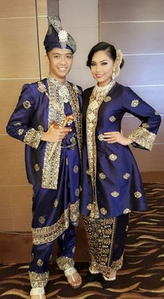 Songket pengantin by Chantique the bridal gallery
