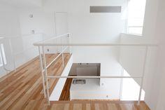House-K is a minimalist house located in Sapporo, Hokkaido, designed by Yoshio Yamauchi Kei.