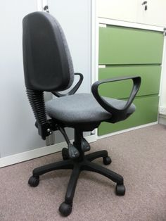 SL 101 Staff Chair