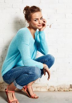 38 Awesome Cashmere Sweaters Buy Right Now, Cashmere has an intriguing history. Procuring cashmere is an amazingly labor-intensive approach. Cotton cashmere is fairly simple to wash so far as ha. Winter Fashion Outfits, Fall Winter Outfits, Summer Outfits, Girl Outfits, Cute Outfits, Women's Fashion, Mein Style, Good Looking Women, Girls World