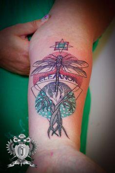 Trendy ideas for tattoo tree dotwork mandalas Trendy Tattoos, New Tattoos, Tattoos For Women, Cool Tattoos, Tattoo Sleeve Designs, Sleeve Tattoos, Energy Tattoo, Dot Work, Traditional Tattoo
