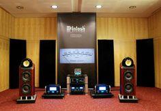 High end audio audiophile B & W 802 Diamonds & McIntosh music listening room