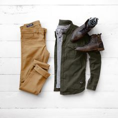 Featuring FNL Denim | Henley from @jachsny | Boots from @bullboxer | Shirt from @trademenswares