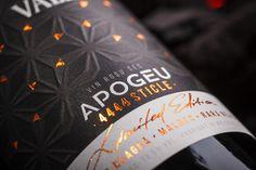 Premium Wine Label Design - Apogeu on Behance Wine Bottle Design, Wine Label Design, Wine Bottle Labels, Wine Packaging, Packaging Design Inspiration, Design Ideas, Printing Labels, Alcoholic Drinks, Behance