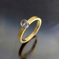 Złoty pierścionek z brylantem  - BIZOE - Pierścionki złote