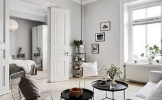 Scandinavian Interior Design Inspirations Here are gorgeous examples of Scandinavian interior design ideas for you. Scandinavian style is a blend of styles from Sweden, Norway, Denmark, and Fin… College Apartment Decor, Open Plan Apartment, Home, Room Inspiration, House Interior, Apartment Decor, Living Room Inspiration, Interior Design, Scandinavian Interior Design Inspiration