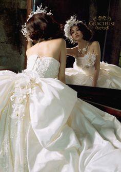 水原希子 幫咪找婚紗看到的,超愛這件!! 原網址http://matome.naver.jp/odai/2140216003738105401