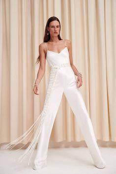 Galvan Spring 2020 Ready-to-Wear Fashion Show - Vogue Vogue Fashion, Fashion Week, Fashion 2020, Runway Fashion, Fashion Looks, Fashion Outfits, Minimal Fashion, White Fashion, Vogue Paris