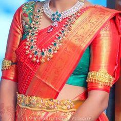 Jewellery+Idea+For+Bright+Red+Silk+Saree