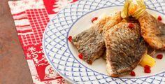 Kapr může díky jednoduchým fíglům krásně vonět Beignets, Pesto, Steak, Beef, Recipes, Food, French Fries, Drizzle Cake, Cooking Recipes