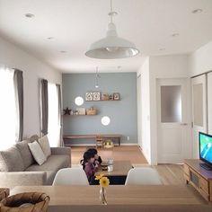 シンプルながらもアクセントウォールがとても素敵なお家。これから新築を建てられる方には北欧感漂う和室インテリアの参考になりますね。