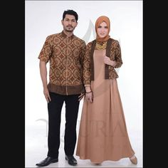 Batik Fashion, Abaya Fashion, Muslim Fashion, Batik Blazer, Batik Couple, Couples Modeling, Dress Brokat, Pastel Designs, Muslim Dress