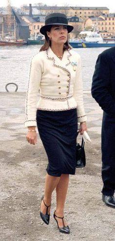 Princess Caroline of Monaco Grace Kelly, Patricia Kelly, Charlotte Casiraghi, Andrea Casiraghi, Cool Outfits, Fashion Outfits, Womens Fashion, Albert Von Monaco, Royals