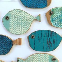 Sending off a school of fish to New Zealand 🇳🇿 tomorrow 🐟🐠🐟. Sending off a school of fish to New Zealand 🇳🇿 tomorrow 🐟🐠🐟. Distinctive Design – Ancient Architectural… Restoring old historic homes provides design and architectural . Fish Crafts, Beach Crafts, Wood Projects, Woodworking Projects, Design Projects, Deco Marine, Wood Fish, Kids Wood, Driftwood Art