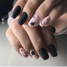 Trendy Matte Black Nails Designs Inspirationen - nägel design - Best Nail World Black Nail Designs, Nail Art Designs, Stylish Nails, Trendy Nails, Ongles Gel Halloween, Hair And Nails, My Nails, Oval Nails, Shellac Nails
