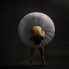mucho porque por la posición y el ángulo de la bailarina de Ballet ... - Learn to dance at BalletForAdults.com!
