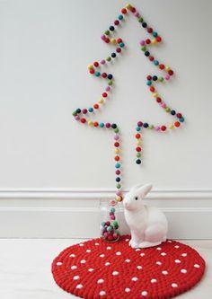 Nadelt nicht: Weihnachtsbaum aus Filzkugeln