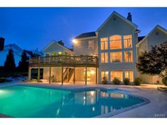 Amazing pool with large deck | Chesterfield, MO