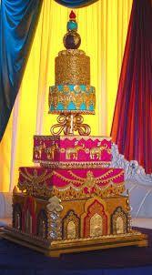Brahmin wedding cake image via Google - More ideas and pins http://weddingdesignchic.com/brahmin-wedding-traditions-and-hindu-invitations/ #brahminwedding #inidanwedding