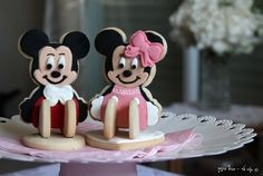 Disney all time lovable couple - Mickey and Minnie Mouse cookies  https://www.facebook.com/SweetFling