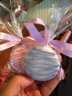 chocolate-covered oreos or truffles Baby Shower Sweets, Baby Shower Favors Girl, Shabby Chic Baby Shower, Baby Shower Games, Baby Boy Shower, Shower Party, Baby Shower Parties, Shower Gifts, Baby Decor