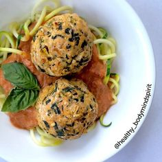 fithealthyrecipes  on Instagram Super Healthy Meatballs and Zoodles by @healthy_bodymindspirit 2.5 lbs ground 99% fat free turkey (or chicken breast) 2 eggs 1- 16oz. package of frozen spinach, thawed and drained 1 cup dried quick oats 1 medium green bell peppers 0.5 purple onion 2 Tbsp paprika 1 Tbsp chopped garlic 1 Tbsp dried basil 1 Tbsp oregano 0.5 Tbsp dried Thyme Mix all of the ingredients together in a big ole bowl. 375F 35 min