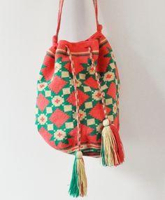gorgeous one of a kind wayuu taya bag