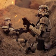 - Star Wars Stormtroopers - Ideas of Star Wars Stormtroopers - Get down! Star Wars Toys, Star Wars Art, Star Trek, Star Wars Pictures, Star Wars Images, Figure Photography, Toys Photography, Stargate, Cuadros Star Wars