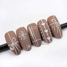 Latest christmas nail art ideas for 2019 – page 11 of 12 – vida joven # Almond nails. Informations About Newest Christmas Nail Art Ideas For 2019 … Xmas Nail Art, Christmas Gel Nails, Holiday Nails, Cute Acrylic Nails, Acrylic Nail Designs, Nail Art Designs, Brown Nail Designs, Xmas Nail Designs, Nagellack Design