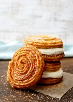 New Dessert Alert! Cinnabon and Carvel Are Making Churro Ice Cream Sandwiches Köstliche Desserts, Frozen Desserts, Delicious Desserts, Dessert Recipes, Churros, Cinnabon, Churro Ice Cream Sandwich, Ice Sandwich, Macarons