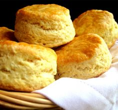 My grandma's flaky buttermilk biscuits makes the perfect side.These buttermilk biscuits are flaky on the outside & fluffy on the inside- southern classic. Homemade Biscuits, Angel Flake Biscuits Recipe, Homemade Breads, Bagels, Croissants, Mcdonalds Biscuits, Sour Milk Recipes, Sour Milk Bread Recipe, Drink